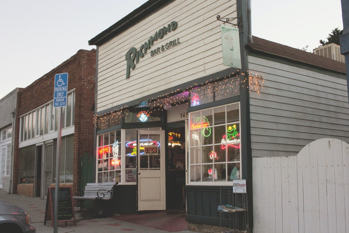 Richmond Bar and Grill