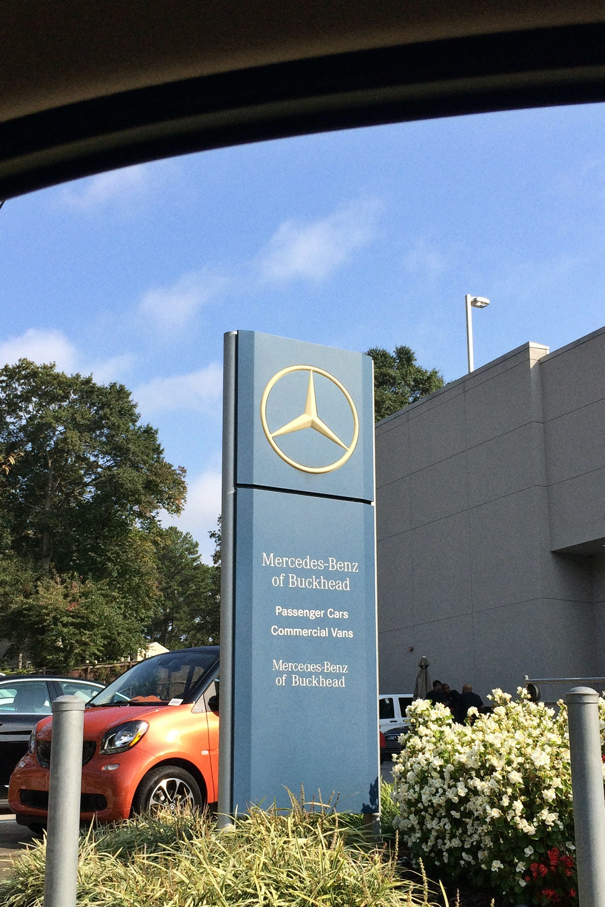 Mercedes Benz Of Buckhead >> On The Grid Cafe Benz At Mercedes Benz Of Buckhead