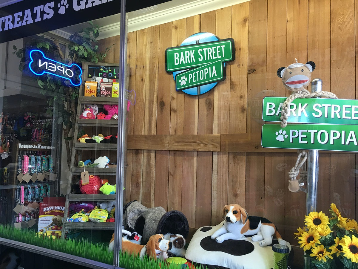 On the Grid : Bark Street Petopia