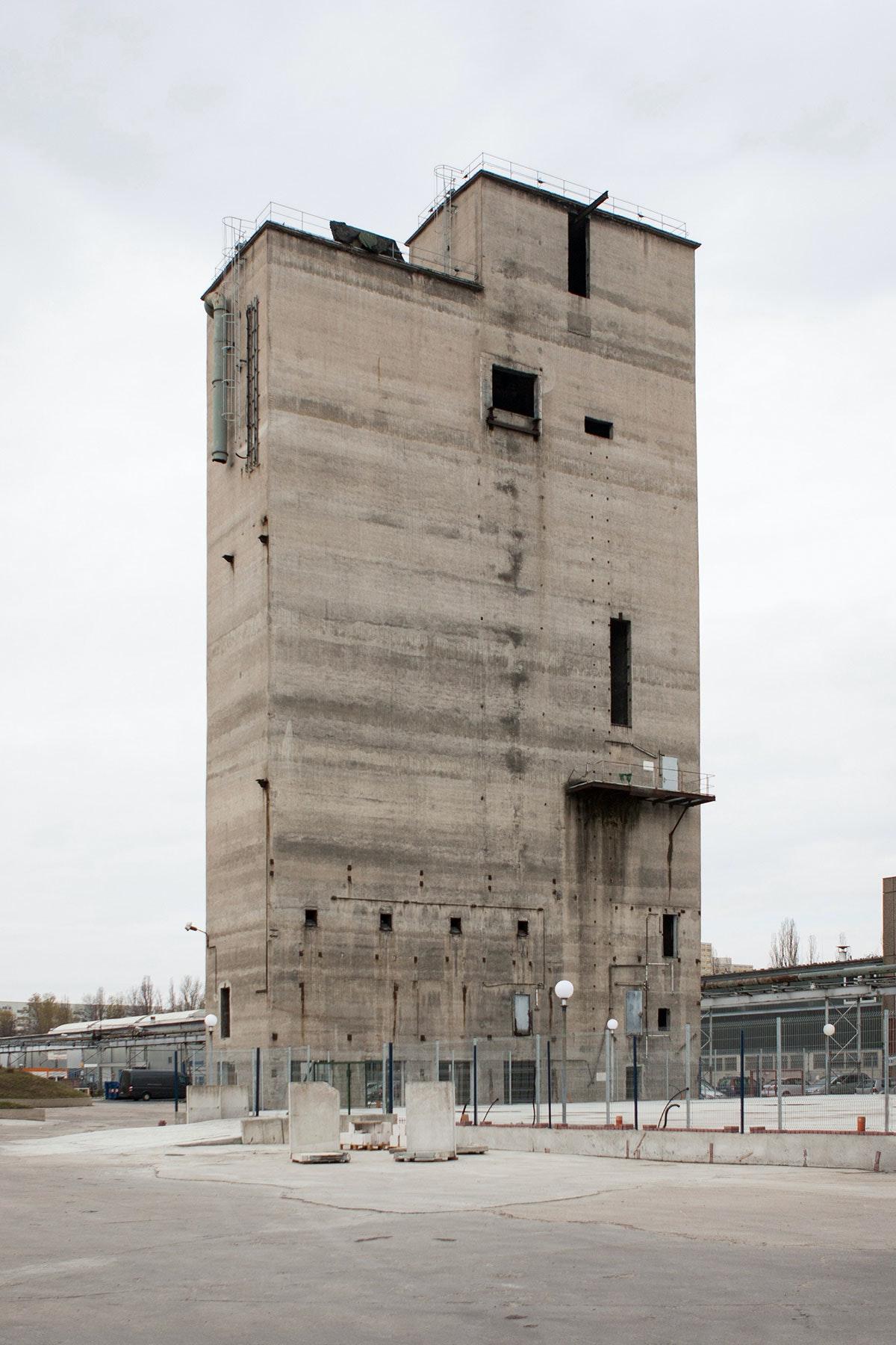 Towers of VEB Elektrokohle