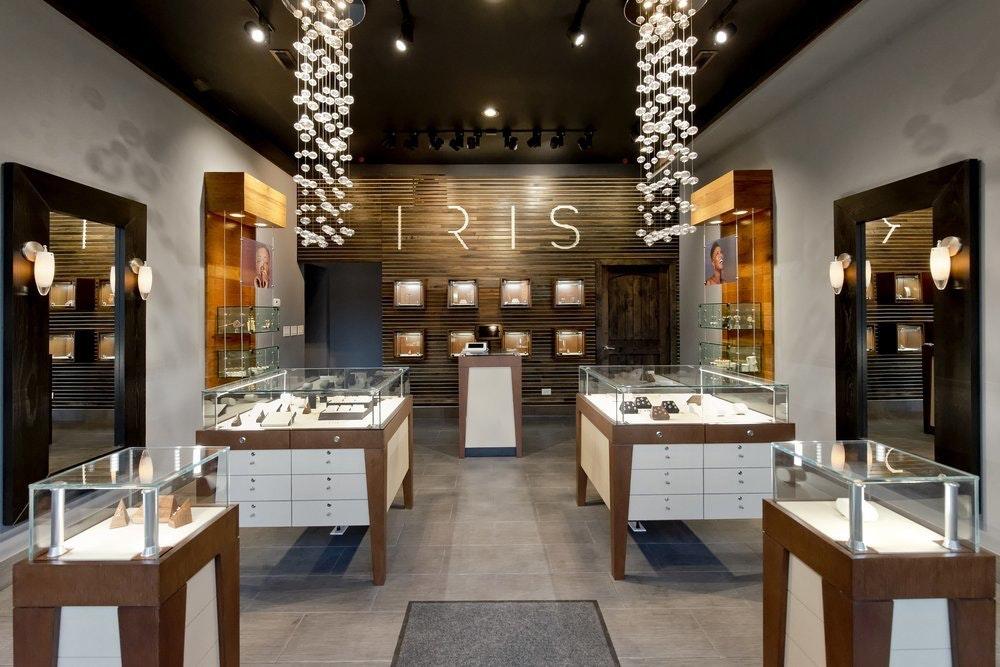 IRIS Piercing Studio