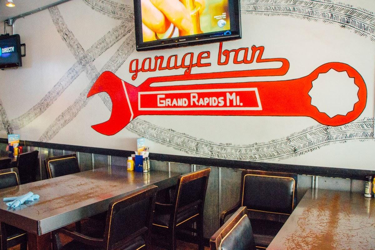 Grand Rapids Garage Bar & Grill