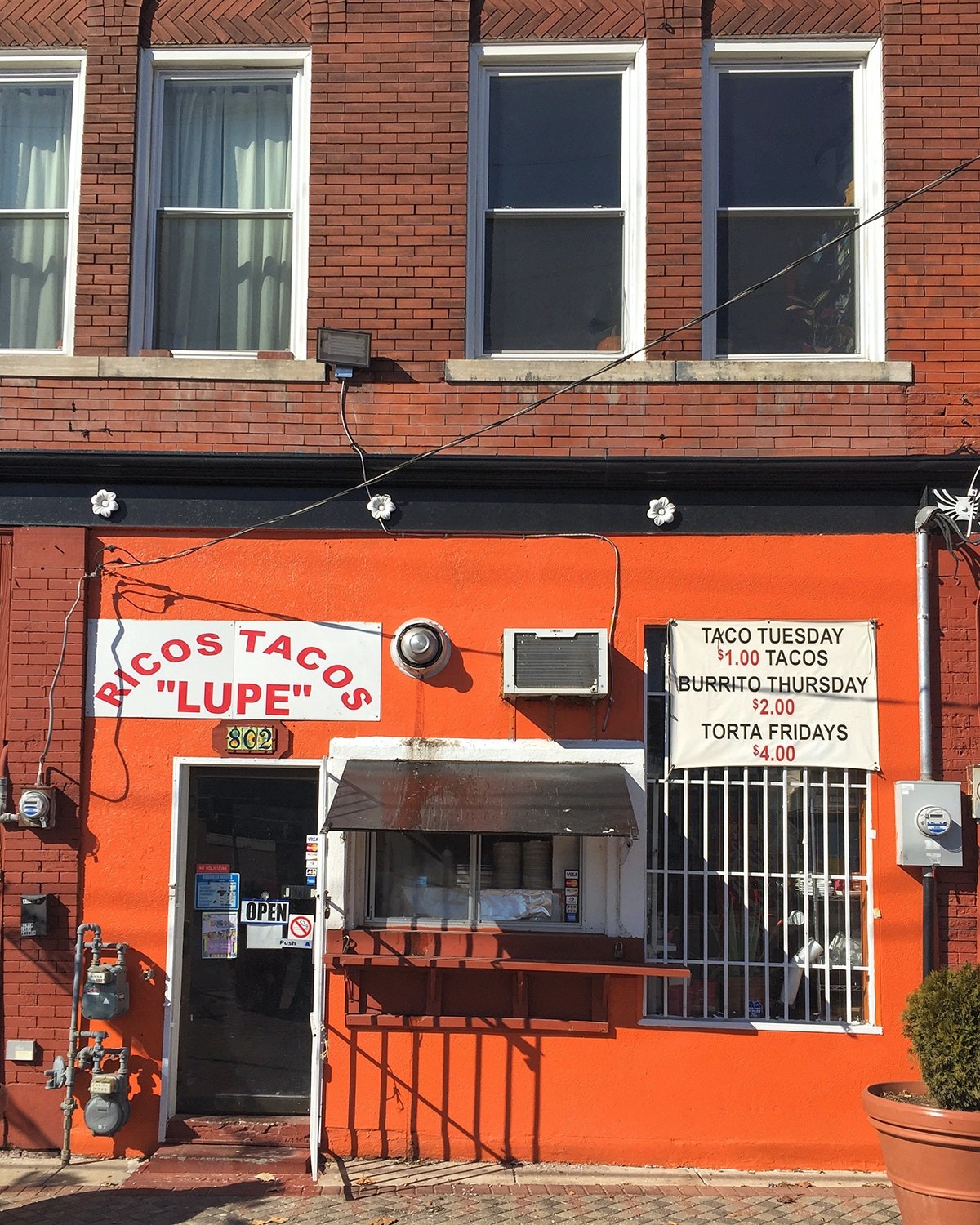 """Ricos Tacos """"Lupe"""""""
