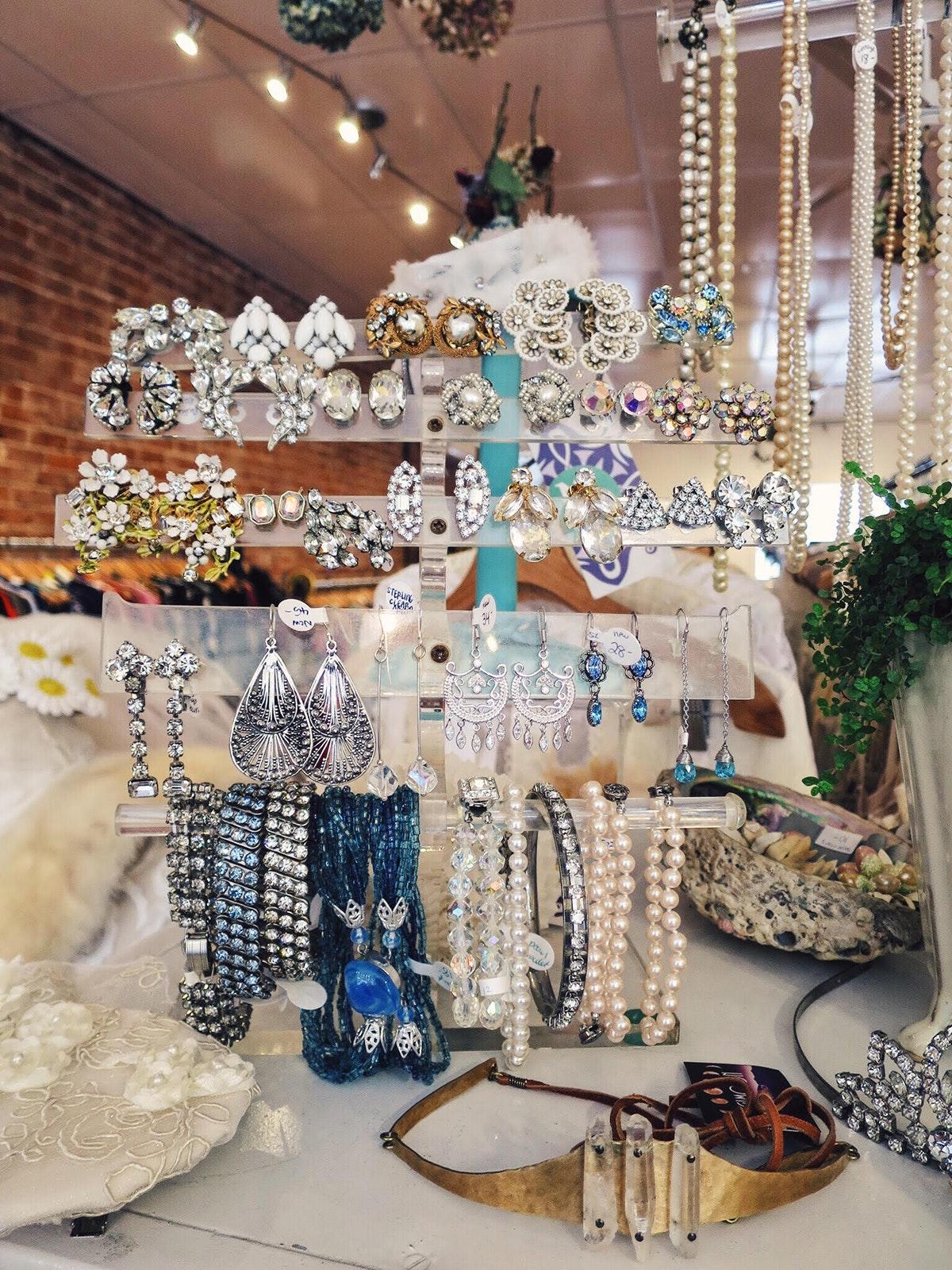 Donna's Dress Shop
