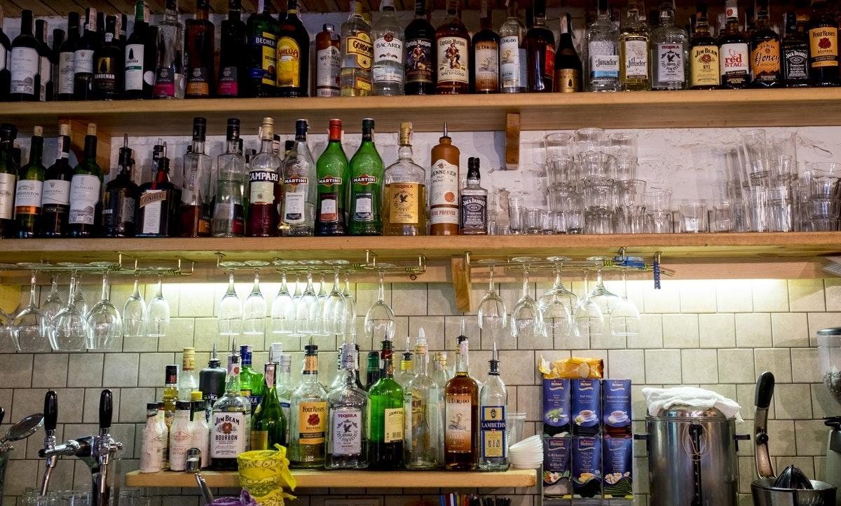 Druzi Cafe & Bar and DreamHouse Hostel