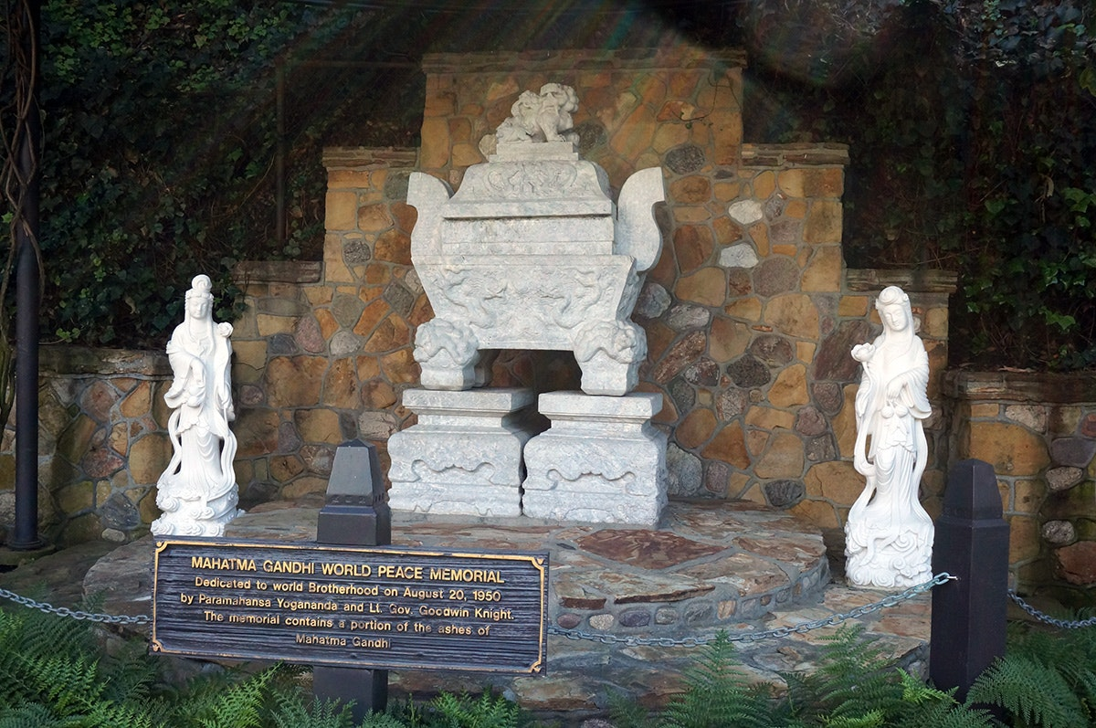 On the Grid : Self Realization Fellowship Lake Shrine Temple