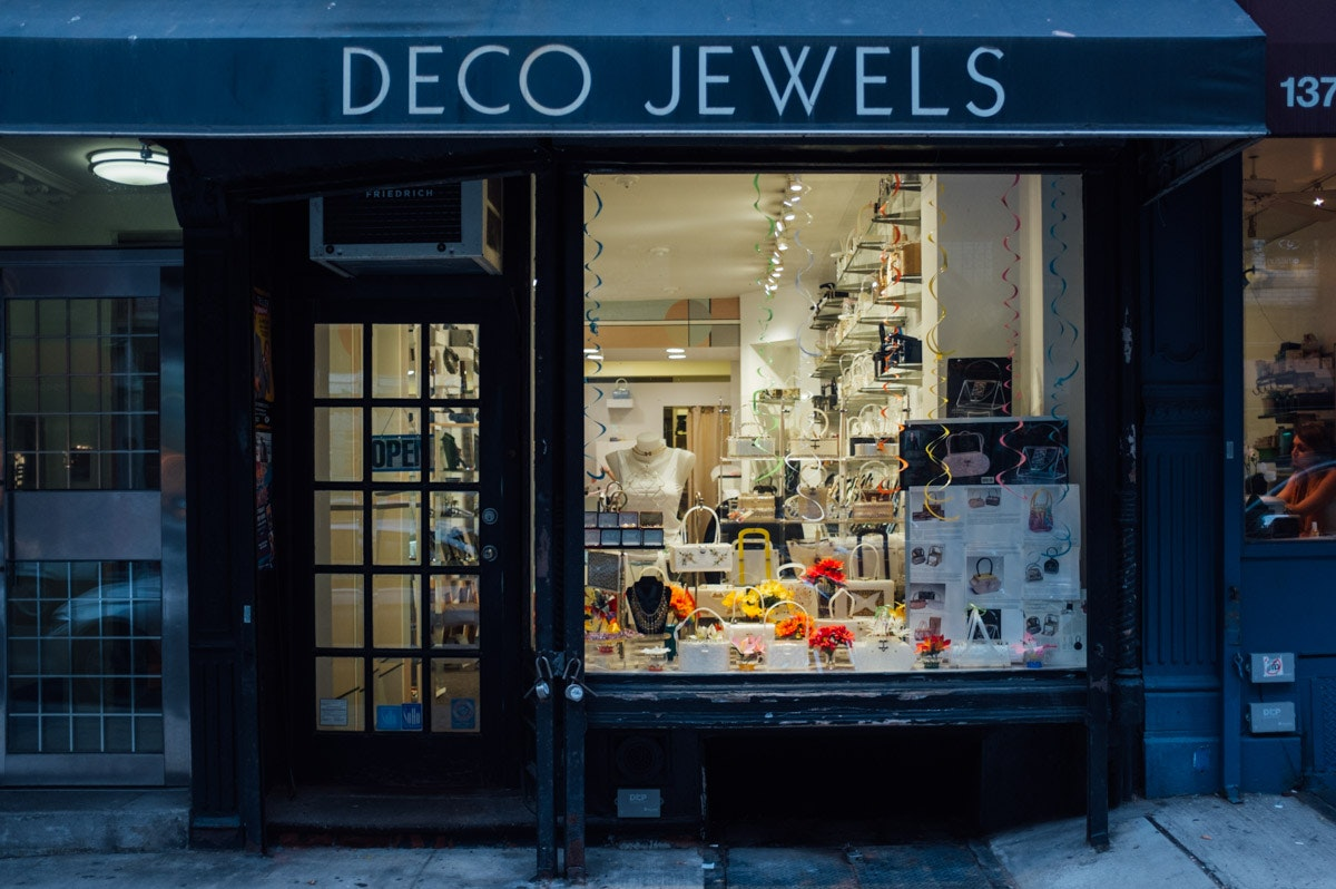 Deco Jewels