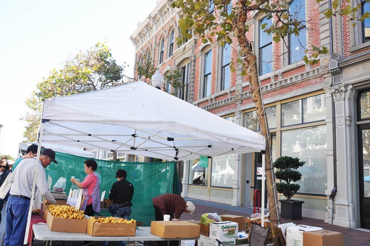 Old Oakland's Farmer's Market