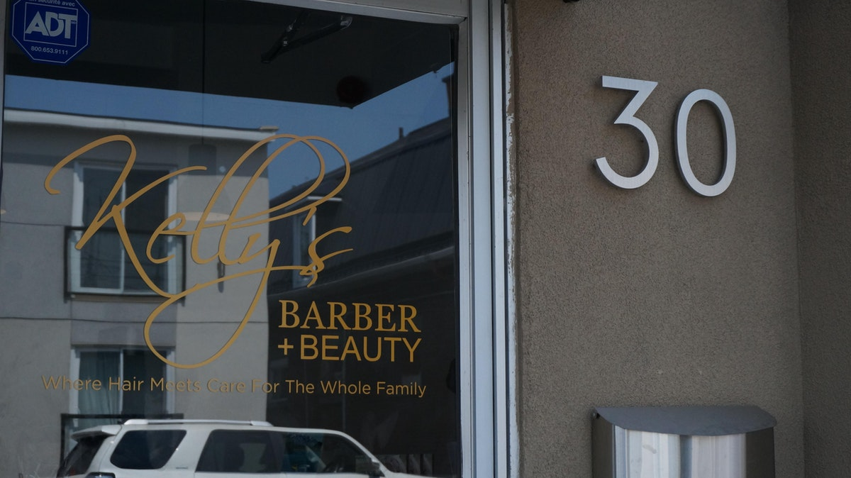 Kelly's Barber + Beauty